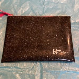 New. It Cosmetics Makeup Bag
